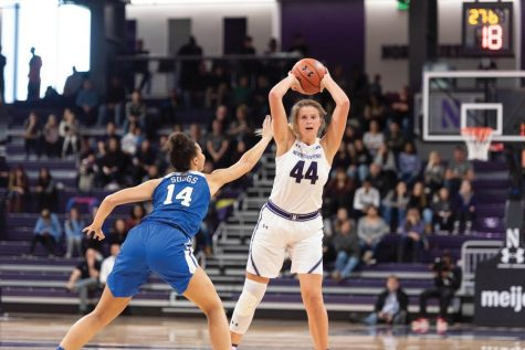 Women's Basketball: Northwestern blows past rival Illinois
