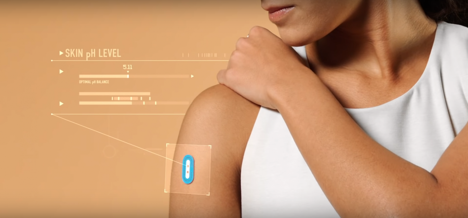 A skin pH measuring device developed by Northwestern researchers and L'Oréal. The device won an innovation award at this year's CES convention in Las Vegas.