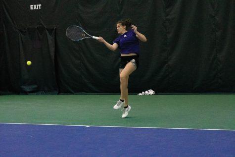 Women's Tennis: Northwestern kicks off Big Ten season with 19th straight win over Illinois