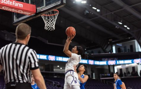 Women's Basketball: Northwestern dismantles Dayton en route to WNIT victory
