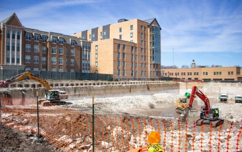 560 Lincoln and Kemper residents struggle to sleep amidst construction on Campus Drive