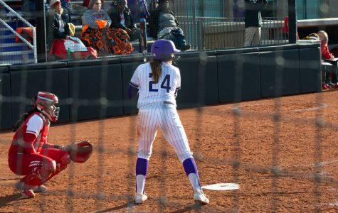 Softball: Northwestern extends winning streak to 16 with doubleheader sweep of Illinois