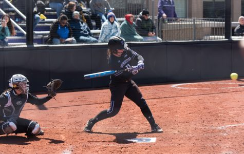 Softball: Opportunistic Wildcats stay perfect in Big Ten with sweep of Nebraska