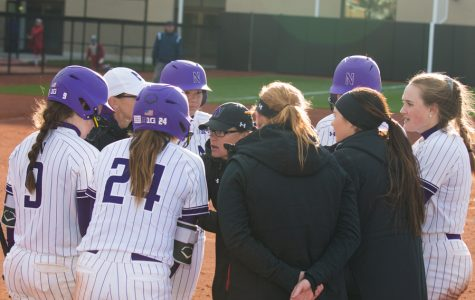 Softball: Northwestern hosts hard-hitting Illinois in midweek twinbill