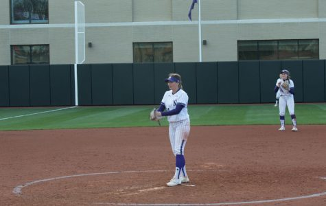 Softball: Northwestern looks to complete sixth straight sweep of the season