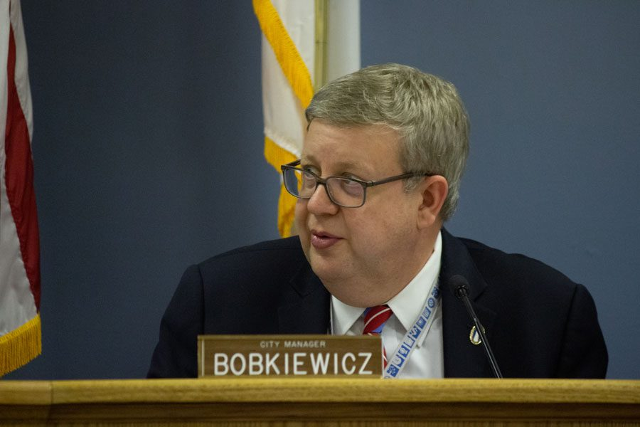 City+manager+Wally+Bobkiewicz+during+a+community+meeting+in+May.+Bobkiewicz+will+be+leaving+his+position+for+a+new+job+in+Issaquah%2C+Wash.+at+the+end+of+September.
