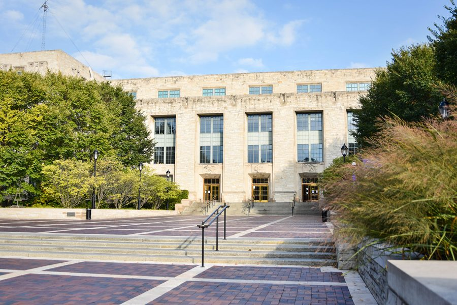 The Technological Institute, where many engineering classes are held. The McCormick School of Engineering's tenure-line faculty is only 13 percent female.