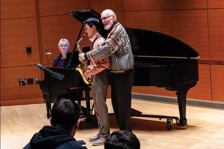 Frederick+Hemke+works+with+Eric+Zheng%2C+during+a+2018+masterclass.+The+saxophone+professor+taught+generations+of+students+during+his+decades+at+Northwestern.