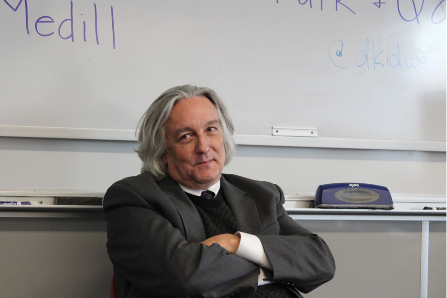 Investigative journalist David Kidwell spoke to students in the McCormick Foundation Center at an event sponsored by NU's chapter of the Society of Professional Journalists.