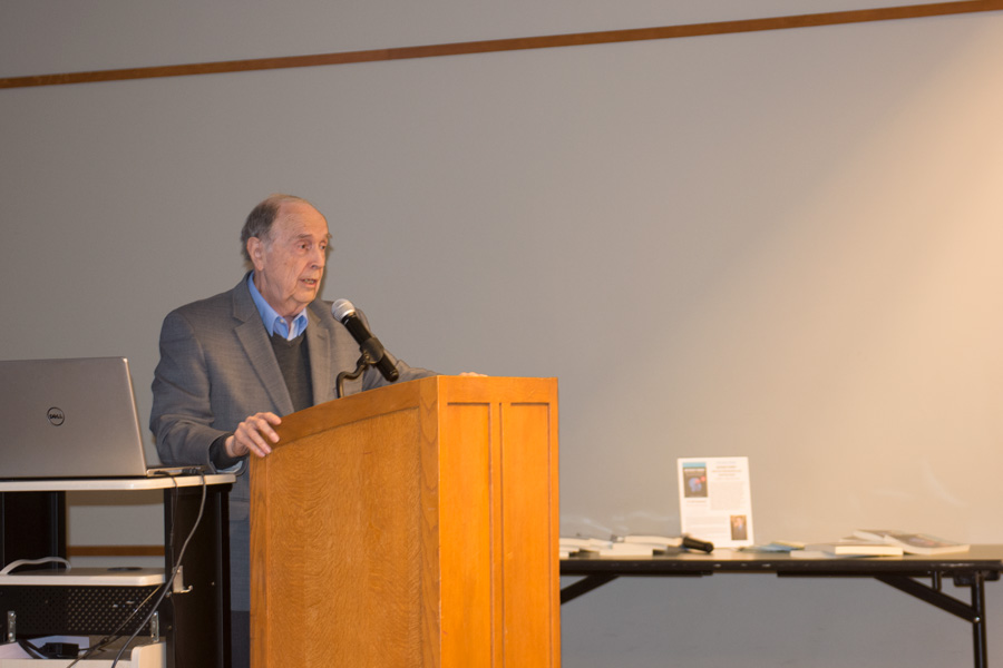 """William Walsh speaks at Evanston Public Library. Walsh is the president of the non-profit Walsh Research Institute and author of """"Nutrient Power."""""""