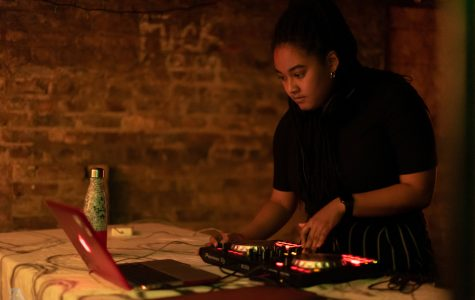 Student group highlights female DJs