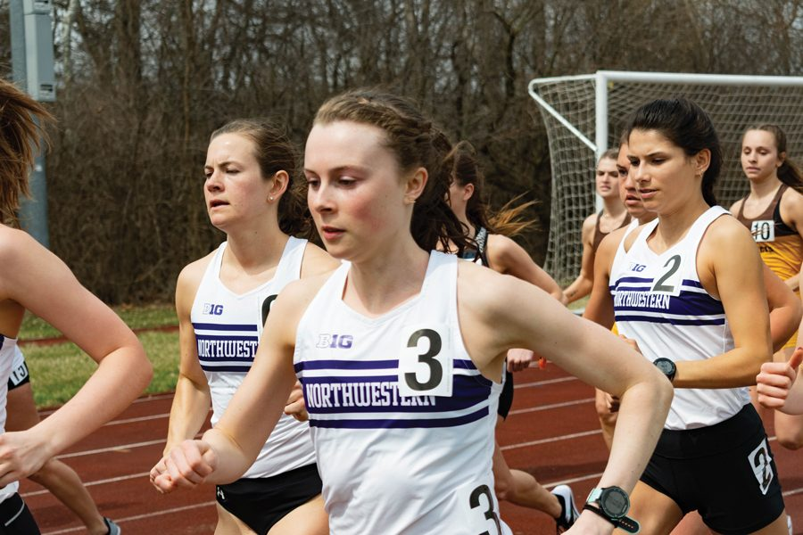 Aubrey+Roberts+turns+a+lap.+The+junior+finished+in+17th+place+overall+in+the+5K+race+at+NCAA+West+Preliminaries.