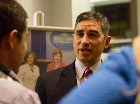 Former Medill Prof. Alec Klein to release book after resignation, allegations of 'predatory' behavior