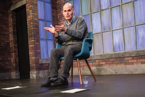 Evanston comedian talks fatherhood, self-doubt in latest one-person show