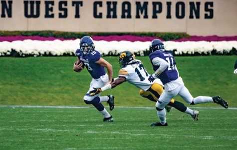 Football: Northwestern's receivers struggling with consistency, injuries