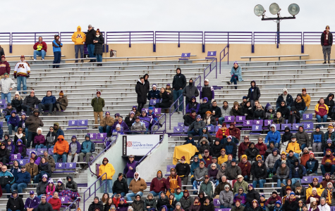 Football: Despite the Wildcats' record, some Northwestern fans are staying loyal