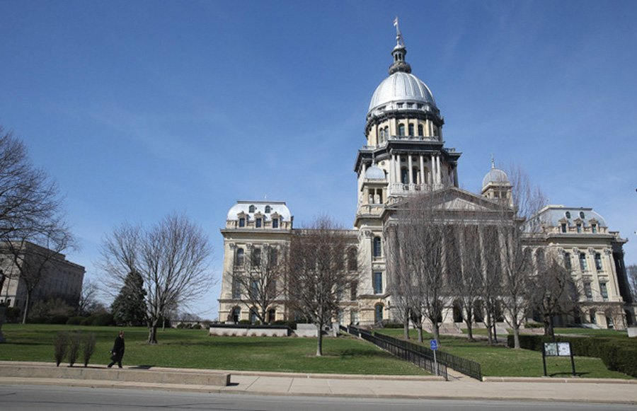 "The Illinois State Capitol on March 9, 2017, in Springfield, Illinois. The Illinois State Senate passed a bill last week that would make Daylight Saving Time the permanent standard, meaning clocks wouldn't ""fall back"" in the fall."