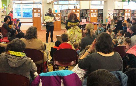 Evanston Public Library hosts Drag Storytime