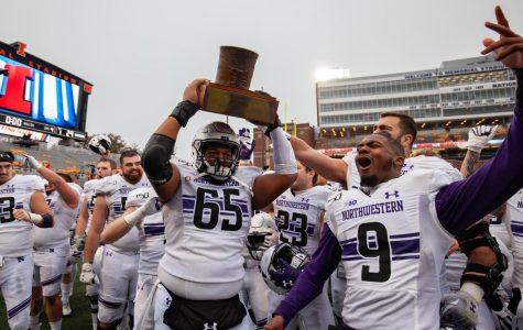 Football: Northwestern wins fifth-straight over Illinois to once again claim the Land of Lincoln Trophy