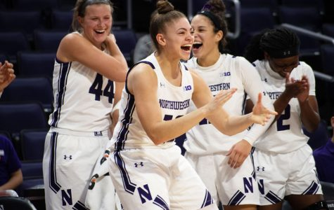 Women's basketball: Defensive-minded Northwestern hammers Loyola-Maryland in season opener