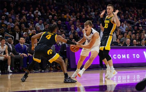 Men's Basketball: Wildcats run out of gas, fall to Iowa at home