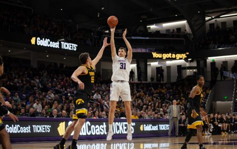 Men's Basketball: Northwestern shows signs of life in close loss to in-state rival Illinois