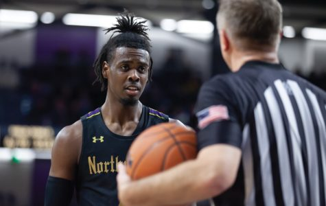 Men's Basketball: Northwestern suffers second-biggest loss of the season, falling to Michigan by 25 points