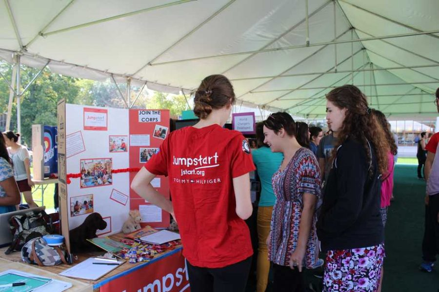 Students+browse+tables+at+the+activities+fair+in+fall+quarter+of+2014.