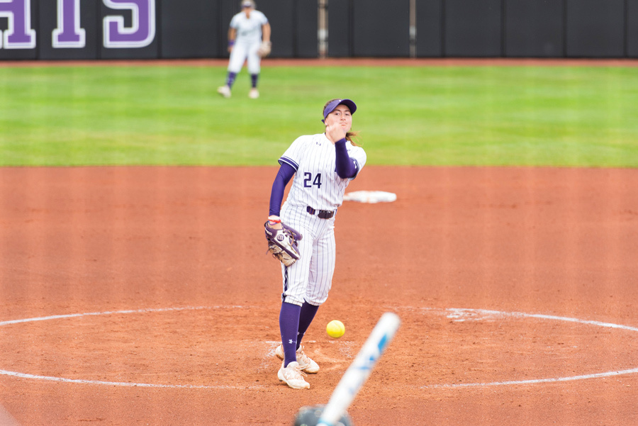 Danielle+Williams+throws+a+pitch.+The+sophomore+pitched+played+well+this+weekend+for+Northwestern.