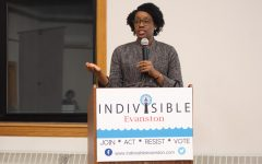 Underwood campaigns for re-election support at Indivisible Evanston event