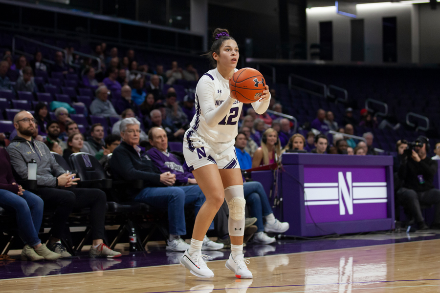 Veronica+Burton+holds+the+ball.+The+sophomore+finished+with+a+team-high+21+points+in+Sunday%E2%80%99s+win+over+Nebraska.