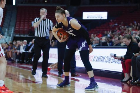 Women's Basketball: No. 18 Northwestern picks up seventh win in a row versus Wisconsin