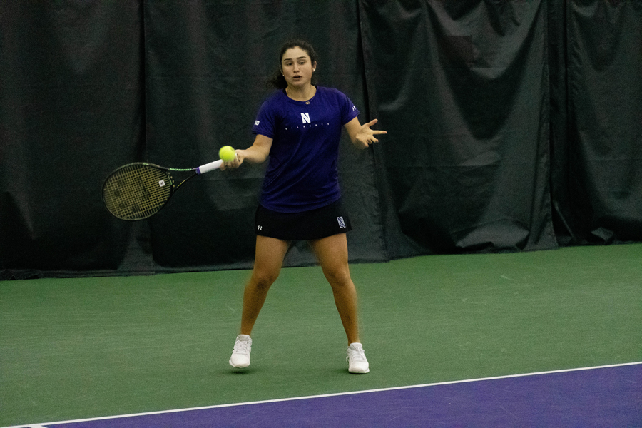 Women's Tennis: Wildcats defeat Fighting Irish thanks to tough singles wins