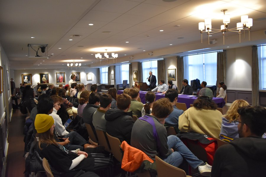 An Advisory Committee on Investment Responsibility meeting in Guild Lounge. Students expressed concerns at the time over the lack of a trustee decision on Fossil Free Northwestern's divestment proposal.
