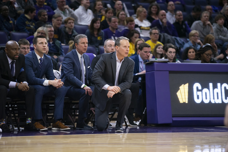 Northwestern%E2%80%99s+coaches+watch+from+the+sideline.+Saturday%2C+they+received+a+commitment+from+four-star+forward+Casey+Simmons.+