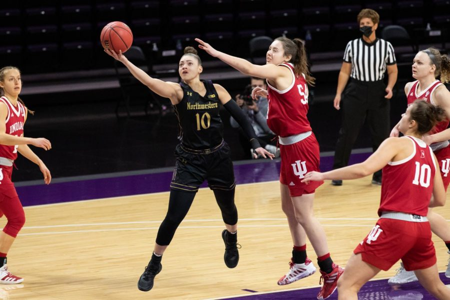 Lindsey+Pulliam+puts+up+a+finger-roll+layup.+The+senior+guard+scored+15+points+in+Northwestern%27s+loss+to+Indiana.