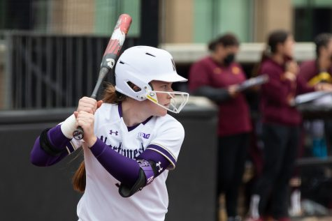 Softball: Northwestern looks to bounce back against Illinois after losing series against No. 19 Michigan