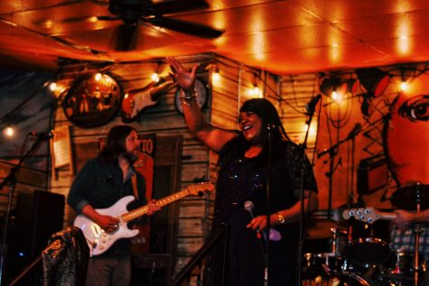 Late nights and top notch talent attract eclectic crowds from Chicago and beyond to historic Kingston Mines blues bar